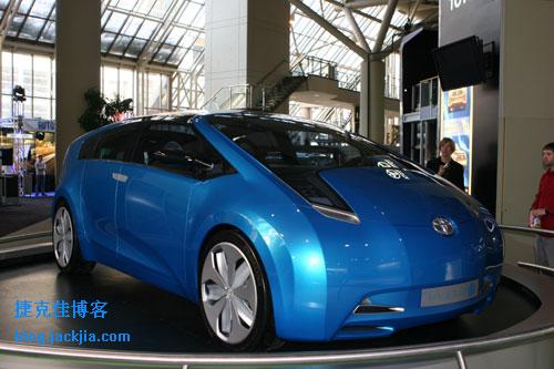 jtoyota_hybrid_concept.jpg