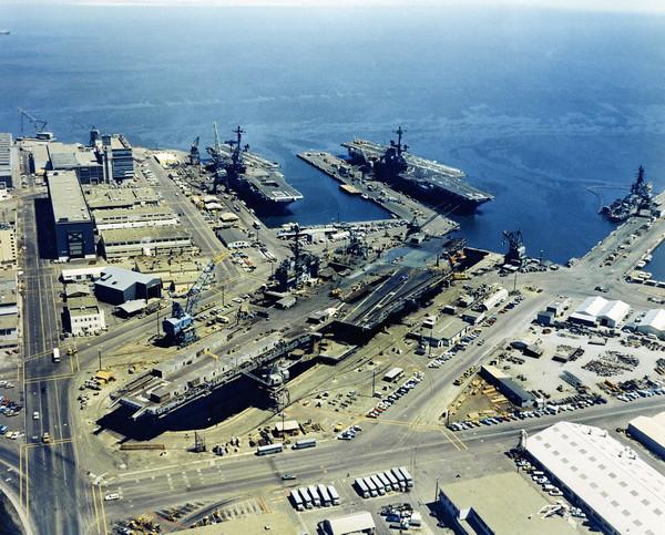 aircraft_carrier01.jpg