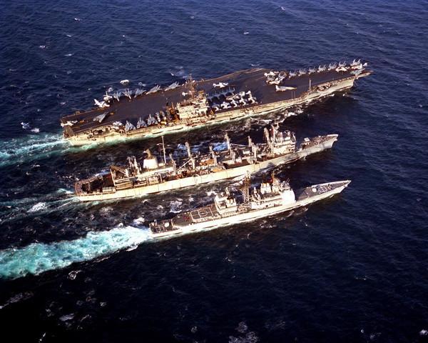 aircraft_carrier04.jpg