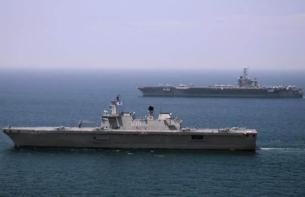 aircraft_carrier06.jpg