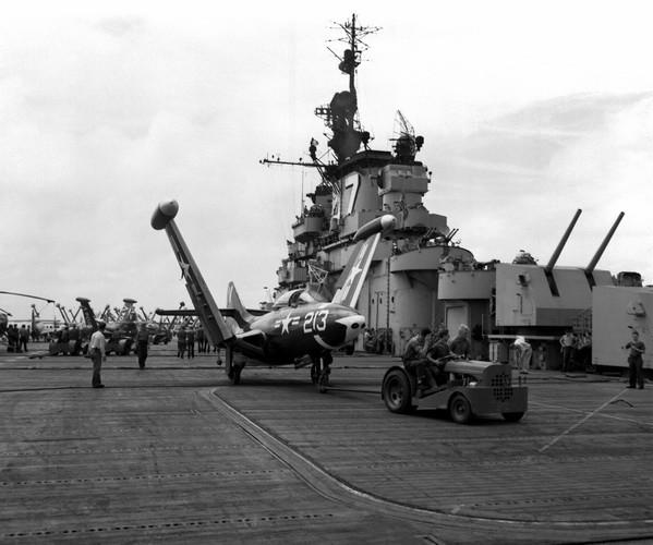 aircraft_carrier09.jpg
